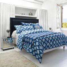 """<p>Housse de couette en percale imprimée 100% coton. Design Valérie Barkowski</p> <p>Housse 220 x 240 cm : 119 euros</p> <p>Taie d'oreiller 65 x 65 cm : 22 euros</p> <p><a href=""""http:..."""