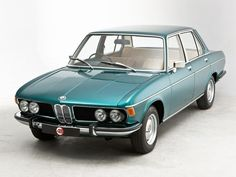 BMW 2500 E3 New Six SportsSedan Info   The videos provide you withgeneral information on the classic BMW 2500 E3 New Six 4 doors luxury sport