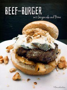 Beef-Burger mit Gorgonzola und Birne