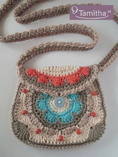 Tamigurumi: Coral Beach Purse (English & Dutch pattern: http://7amitha.etsy.com )