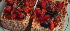 Bruschetta s paradajkami - Mňamky-Recepty. Bruschetta, French Toast, Breakfast, Ethnic Recipes, Food, Morning Coffee, Essen, Meals, Yemek