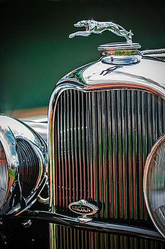 Classic Cars Photograph - 1932 Lincoln Kb Boattail Speedster Hood Ornament - Grille Emblem by Jill Reger Car Badges, Car Logos, Vintage Cars, Antique Cars, Car Radiator, Car Hood Ornaments, Automotive Art, Car Photography, Old Cars