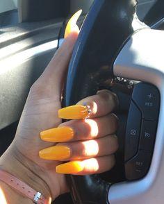 #fakenails #mustardyellow #nails