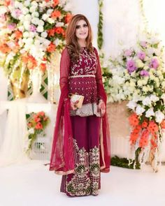 Beenish Umer looked gorgeous on her brother's wedding in Faiza Saqlain outfit ✨✨ Pakistani Couture, Pakistani Bridal Dresses, Pakistani Outfits, Indian Dresses, Indian Outfits, Elegant Outfit, Elegant Dresses, Beautiful Dresses, Ethnic Fashion