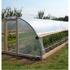How to make the small greenhouse? There are some tempting seven basic steps to make the small greenhouse to beautify your garden. Greenhouse Film, Diy Greenhouse Plans, Outdoor Greenhouse, Cheap Greenhouse, Greenhouse Effect, Backyard Greenhouse, Portable Greenhouse, Greenhouse Wedding, Homemade Greenhouse