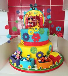 #cakecakecake #kids #theme #disney #disneycake #mickeymouseclubhouse #mickeymouseclubhousecake #mickeycake #mickeymousecake #pluto #daisy #minnie #minniemouse #donaldduck #goofy #cogs #cake #traincake #birthday #instacake #fondant #edibleart #art #artist #cakeart #cakeartist #thejestercakery
