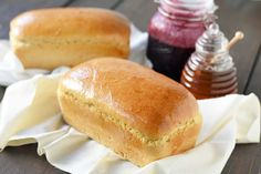 Best Homemade One Hour Whole Wheat Bread recipe. The easiest homemade bread made with simple ingredients in only one hour. Easy French Bread Recipe, Homemade French Bread, Wheat Bread Recipe, Easy Bread Recipes, Homemade Breads, Cake Recipes, Pizza Recipes, Yummy Recipes, Diet Recipes