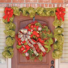Learn to Make Deco Mesh Wreaths - You won't believe how easy it is to make big splashy wreaths like those of professional decorators! Everything you need to know about working with deco mesh -- that darling of the decorating world -- is in this book. With our clear instructions and step-by-step photos, you'll learn how to loop and secure the mesh and then add bows and other accents. With the wide variety of mesh styles available, you'll be able to make wreaths for celebrations all through…