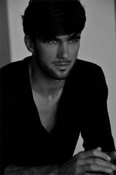 pepe toth....yes, he is the perfect Daemon Black...(duh he's the model of  the cover xD)