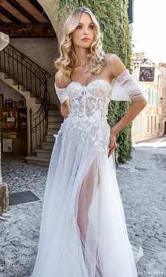Boho Wedding Gown, Pretty Wedding Dresses, Lace Weddings, Bridal Dresses, Provence Wedding, Simple Gowns, Bride Gowns, Dressy Dresses, Quinceanera Dresses