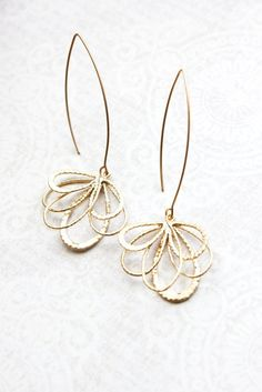 Long Gold Earrings Gold Dangle Modern Abstract Floral Filigree Earrings Bridesmaids Gift Everyday Jewelry Gift for Girlfriend, mom, sister