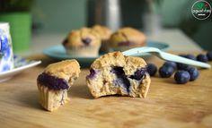 Hoy queremos compartir con vosotros esta receta,muy sencilla y con un sabor que es una delicia. Los arándanos son una de las frutas que más solemos utilizar en los postres, ya que da un toque a bi…