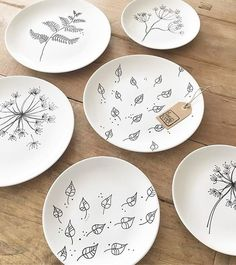 56 creative DIY tableware ideas – Page 28 of 56 – SooPush Sharpie Plates, Sharpie Crafts, Sharpies, Pottery Painting Designs, Pottery Designs, Pottery Plates, Ceramic Pottery, Ceramic Painting, Ceramic Art