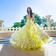 Stunner ! Tanishas stunning wedding in Udaivilas has the chicest outfits and fabulous decor . Full story link in bio ! Outfit by @abujanisandeepkhosla and photo by @josephradhik | #limegreen #summerwedding #bride #bridal #indianwedding #mehendi #gota #abusandeep #twirlingbride #bridalicious #lehenga #lookbook #josephradhik #wedding #twirl #spin #engagement #sorbet #colors #india #udaivilas
