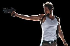 Ryan Reynolds in Blade Trinity. Who doesn't have a crush on this guy? Action Pose Reference, Human Poses Reference, Pose Reference Photo, Action Poses, Anatomy Reference, Poses Dynamiques, Cool Poses, Art Poses, Drawing Poses