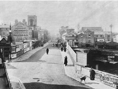Looking down the High Street from the junction of Mount Pleasant and Grove Hill Road some time before 1907.