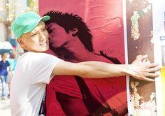 Kim Jonghyun has his very own fan. And... It's Key...