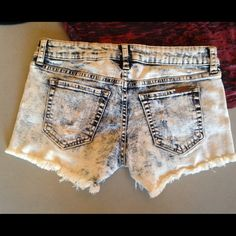 Denim white wash cut off shorts Brand new with tags! These denim white washed cut off fray hem shorts are super cute! Size Medium. Button up and zip closure and two back pockets. They have some stretch as well. Light and comfortable. Retailed for $43.99. No PayPal, No Trades, no Lowballers. Thanks would look good with the one piece or the top pictured in the listing. Shorts are the only item for sale in this listing, but other items available separately. Sneak Peak Shorts Jean Shorts