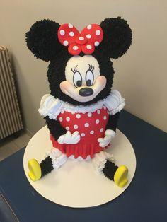 Bolo em Formato de Minnie !!