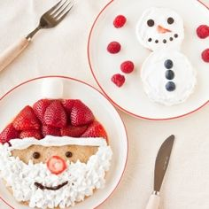 Are you hosting or attending a fun Christmas brunch and looking for great Christmas breakfast ideas to serve? These ideas not only taste great, they're cute and fun to serve at any holiday breakfast. Christmas Morning Breakfast, Christmas Brunch, Noel Christmas, Christmas Goodies, Breakfast For Kids, Christmas Treats, Christmas Baking, Holiday Treats, Holiday Recipes