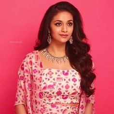 Keerthi Suresh cleavage and boobs 2018 Beautiful Indian Actress, Beautiful Actresses, Keerthy Suresh Hot, Keerti Suresh, Hot Actresses, Indian Actresses, Tamil Actress Photos, Film Awards, Beauty Full Girl