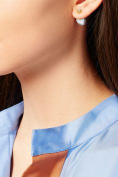 Fermoirs tige pour oreilles percées  Perles d'eau douce : Chine  Ces pièces ont été certifiées conformes à la loi britannique de 1973 concernant le poinçonnage des métaux précieux  NET-A-PORTER.COM est une société certifiée membre du Responsible Jewellery Council, conseil pour une joaillerie responsable