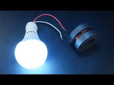 free energy generator homemade with magnet using light bulb - DIY projects 2018 Renewable Energy Projects, Energy Smoothies, Sustainable Energy, Nightlights, Alternative Energy, Electronics Projects, Cool Diy Projects, Save Energy, Light Bulb