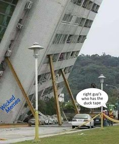 Daily lol pics funny signs, dumb and dumber, wtf funny, funny facts, hil Funny Photos Of People, Funny Pictures, Wtf Funny, Funny Jokes, Crazy Funny, Funny Facts, Safety Fail, Construction Fails, Vrod Harley
