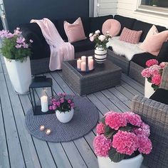 , For those who value plants and want to include them in their home, we've put together these balcony garden design ideas for inspiration. , 30 Small Cozy Balcony Garden Ideas You Should Look Patio Garden Ideas On A Budget, Diy Patio, Backyard Patio, Backyard Ideas, Backyard Retreat, Backyard Decorations, Budget Patio, Small Balcony Decor, Balcony Ideas