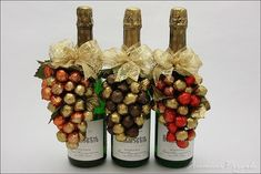 Pin by Shireen Sachdev on Christmas Valentine Baskets, Diy Mothers Day Gifts, Glitter Gifts, Rustic Wedding Centerpieces, Candy Gifts, Wine Bottle Crafts, Wine Gifts, Diy Christmas Gifts, Craft Gifts