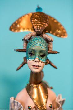 Аккуратно 8ого марта я посетил Международный салон авторских кукол и без долгих предисловий публикую результат здесь, в журнале. Между прочим, желающие еще могут…