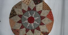 No quilty news in my previous blogpost so this time I will start with my latest block of the King George III quilt, block 6:         As ...