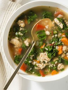 Kale + carrots + red bell peppers add up to a dynamic, colorful kale soup, full of juicy turkey and nutty brown rice.