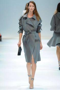 76acdab279ce твид женское пальто фасоны подиум  19 тыс изображений найдено в  Яндекс.Картинках Женская Мода