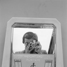 Vivian Maier Weight and Fortune, self-portrait,