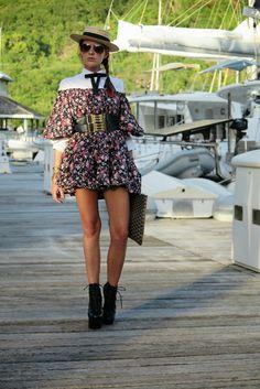 The wardrobe of Ms. B: windy evening in St Maarten