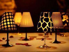 Foto: Lampenkapjes voor over je wijnglazen! Super leuk en goedkope tafeldecoratie. Via Woontrendz.. Geplaatst door Misshisss op Welke.nl