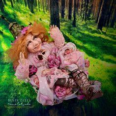 Tulle Decorations, Elf Doll, Hand Shapes, Polymer Clay Art, Fairy Dolls, Ooak Dolls, Flower Shape, Rose Petals, Vintage Metal