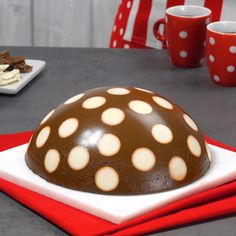 A spilled dessert that will turn the table upside down! - Pâtisseries et desserts - Bundt Cake Sponge Cake Recipes, Easy Cake Recipes, Chocolate Cookie Recipes, Chocolate Desserts, Chocolate Cookies, Köstliche Desserts, Dessert Recipes, Healthy Sweet Snacks, Chip Cookie Recipe
