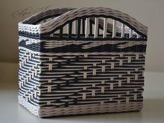 Top Useful Tips: Wicker Trunk Boxes wicker storage small spaces.Wicker Design Verandas wicker box with lids. Old Wicker, Wicker Trunk, Wicker Shelf, White Wicker, Wicker Baskets, Wicker Couch, Wicker Mirror, Wicker Dresser, Wicker Headboard