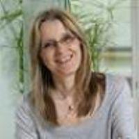 """Valérie Issarny Chercheuse à l'Inria """" Ce qui m'a conduit à la recherche c'était la volonté de pouvoir étudier aussi longtemps que possible, mais il ne s'agit de rien d'autre que de toujours apprendre quelque chose de nouveau."""""""
