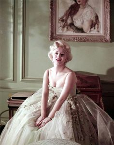 Golden Age Of Hollywood, Vintage Hollywood, Hollywood Glamour, Hollywood Stars, Classic Hollywood, Gabor Sisters, Zsa Zsa Gabor, Eva Gabor, Female Stars