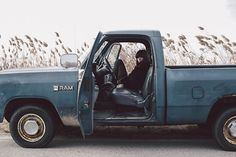 Classic truck to ride in town. Clark Kent, Jon Kent, Life Is Strange, Storyboard, Azul Vintage, Chloe Price, She Wolf, On The Road Again, Us Cars