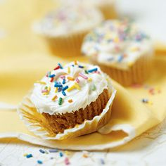 Quick & Easy #Pumpkin #Cupcakes  (Easy; Yields: 24 cupcakes)