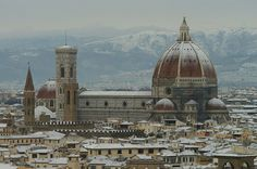 The Santa Maria del Fiore cathedral in Florence, which has the biggest brick dome in the and is considered a masterpiece of Italian architecture and world architecture. Language In Italy, Florence Cathedral, Italy History, Small Group Tours, Italy Tours, Amazing Buildings, Visit Italy, Famous Places, Santa Maria