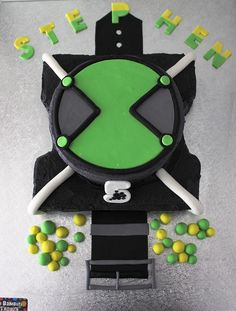 Ben 10 Omnitrix cake.....from Bella Bambini Birthdays........might have a go at next years boys birthdays!!! If they are still into Ben 10 then