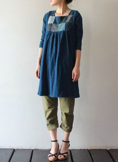 [KAPITAL] IDG天竺KIRIFUチュニック--Mapping out a tunic pattern...love the patchwork at the top and the sleeves.