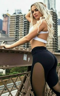 Yoga Pants Girls, Girls In Leggings, Tight Leggings, Fit Women, Sexy Women, Tights Outfit, Strong Girls, Stunning Women, Hot Blondes