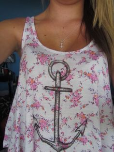 I want this necklace! Eh the shirt is ok. I just like anchors.