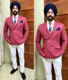 Nav jivan Blazer Outfits Men, Casual Blazer, Boy Outfits, Punjabi Men, Punjabi Fashion, Indian Fashion, Men's Fashion, Mens Fashion Suits, Mens Suits